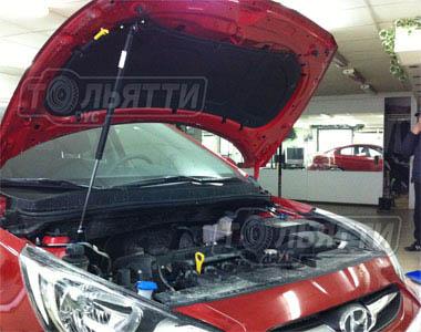 Упор капота пневмогидравлический без кронштейна Hyundai Solaris (от 2010г.)